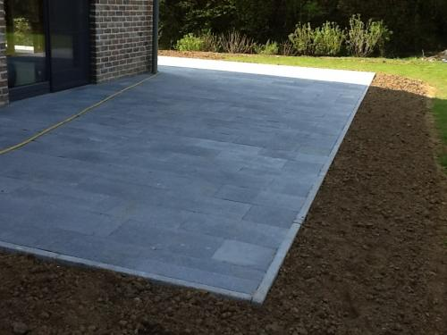 terrasse-dalle-pierre-bleue-2